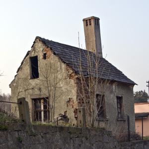 bad-house-old-disrepair-300x300