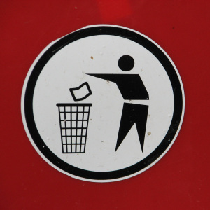 litter trash can