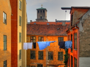 laundry-drying-clothes-line-300x222